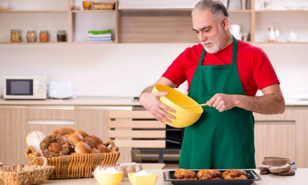 How To Keep Track Of Expenses In A Baking Business